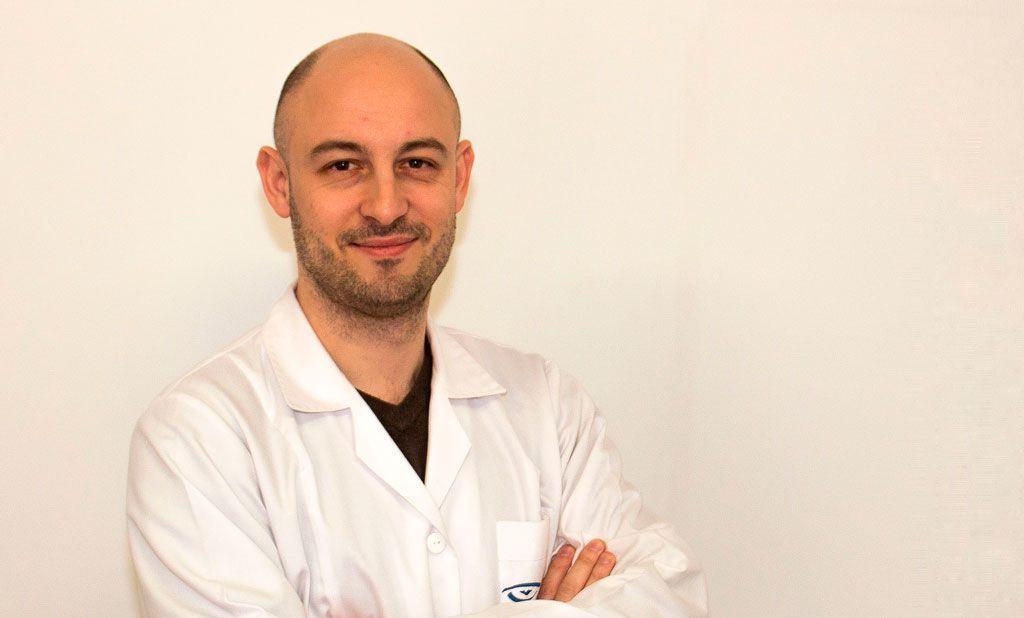 Dr FERNANDEZ