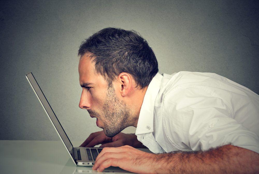 ¿La pantalla del ordenador daña la vista?