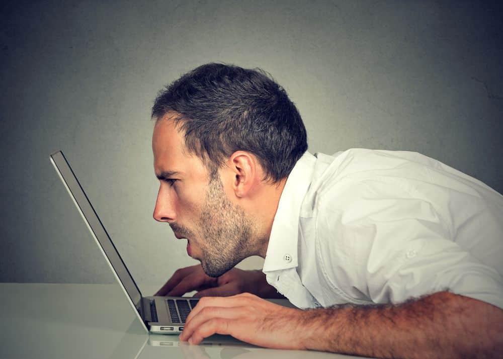 la pantalla del ordenador daña la vista