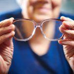 أمراض العيون من العمر
