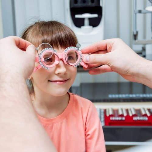 ¿Se corrige el astigmatismo en niños?