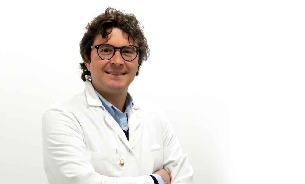 Carles Barnes oftalmologo retinologo