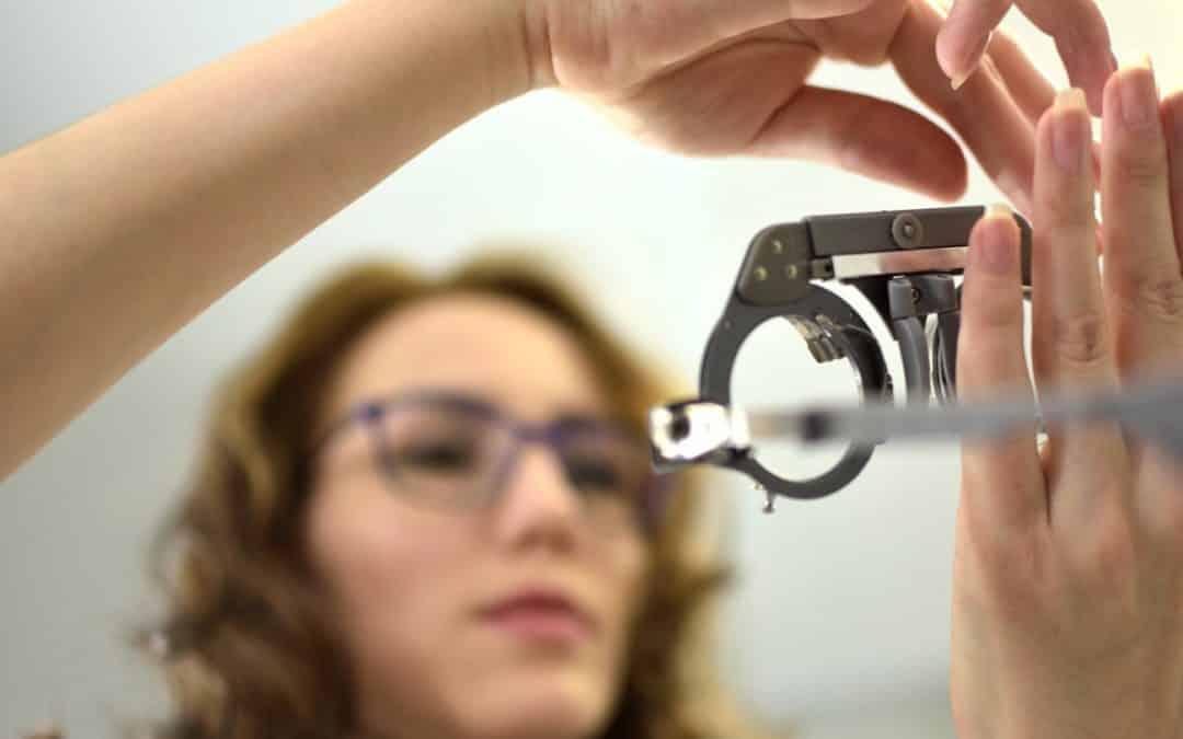 Ayudas visuales para baja visión. Conoce qué son y para qué sirven