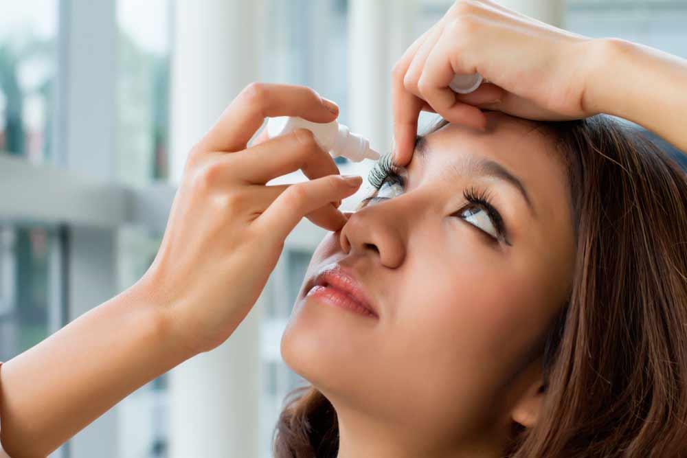 Como limpar os olhos