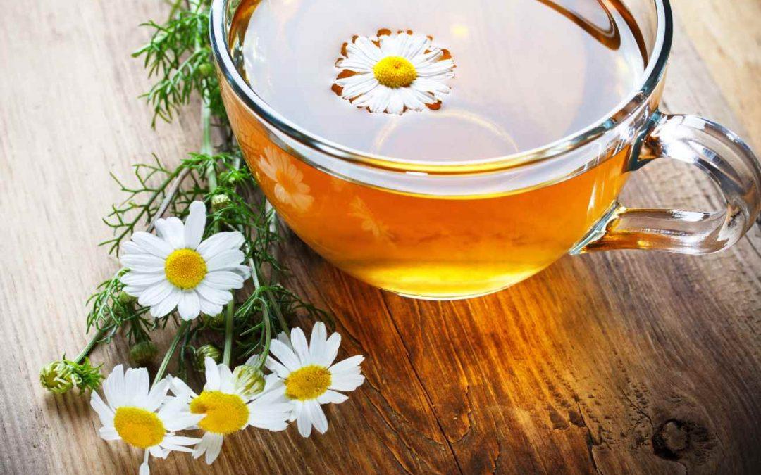 ¿Es bueno tratar la conjuntivitis con manzanilla?