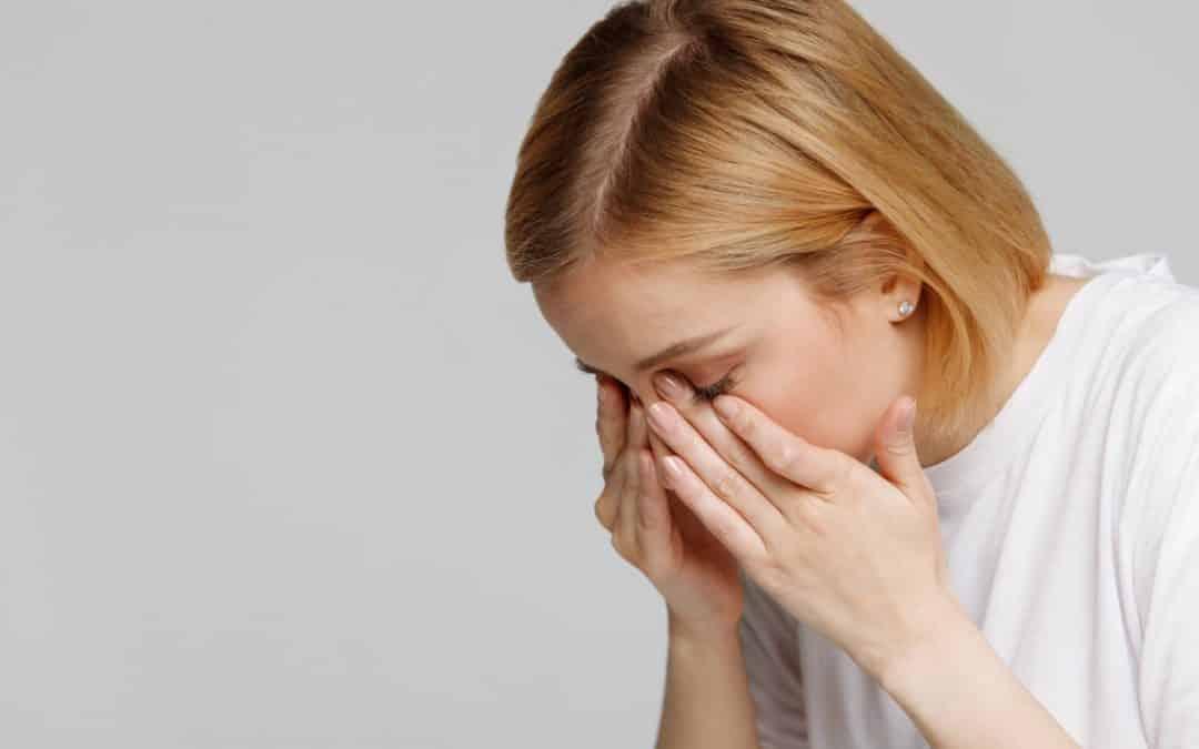 Escozor de ojos: causas, tratamiento y cómo evitarlo