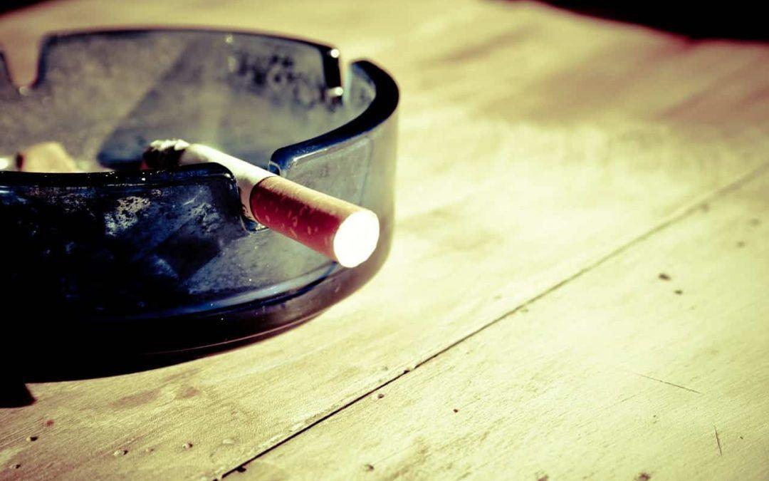 Fumar puede causar cataratas