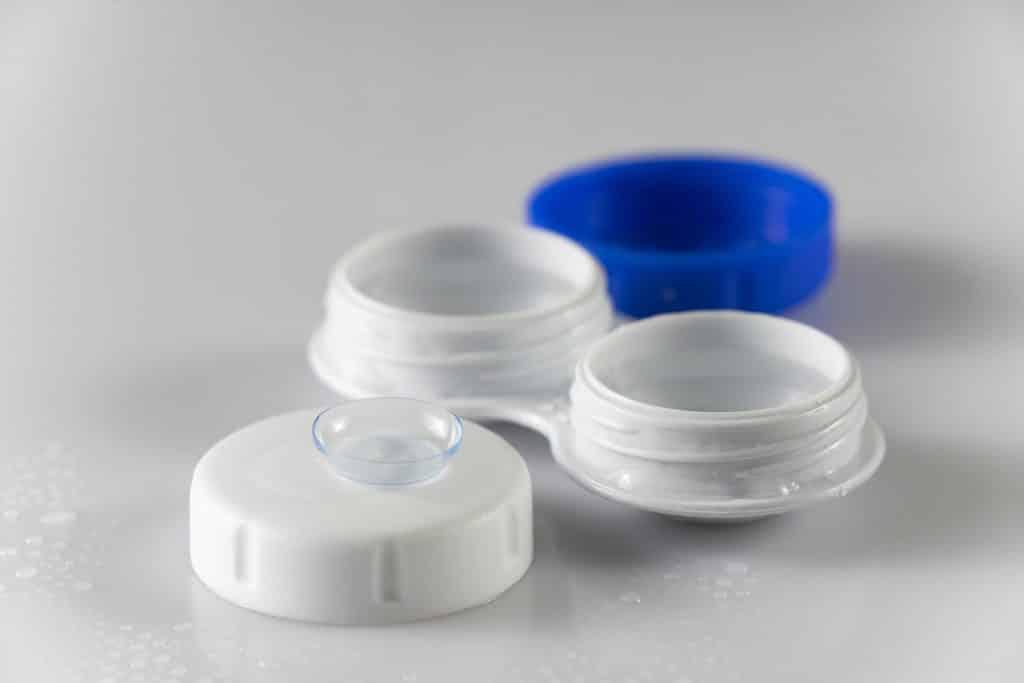 lente de contacto torica