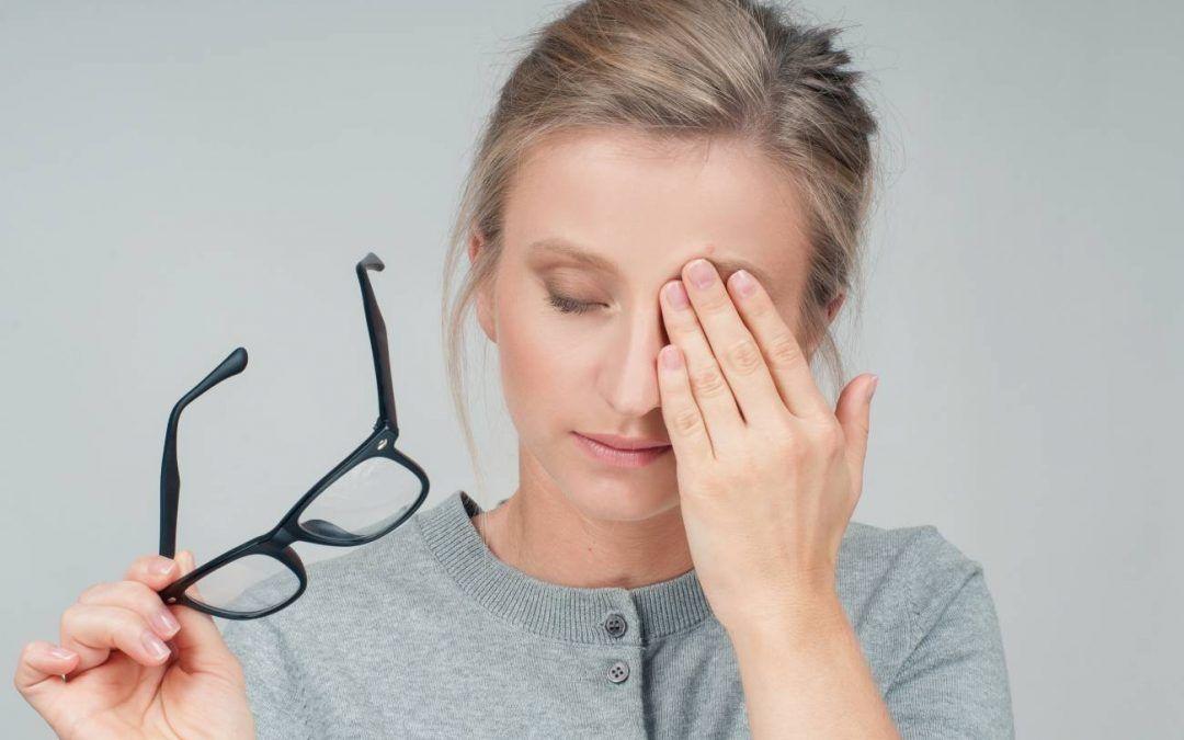 ¿Ojos cansados? Causas, síntomas y cómo prevenirlos