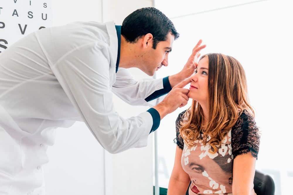 Tratamiento exoftalmos ojos saltones