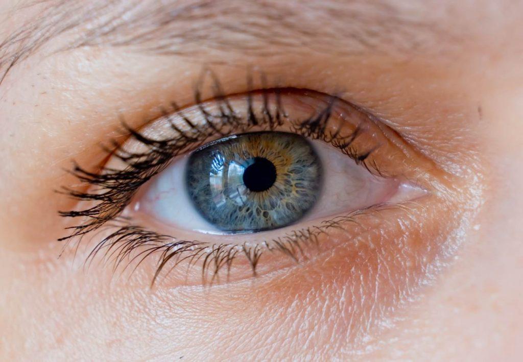 vision doble en un ojo